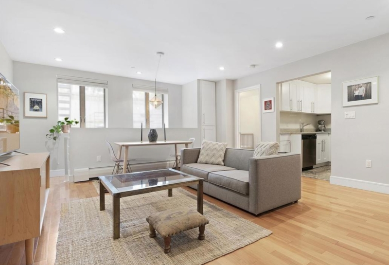 362 12th St, #2 - Park Slope | Brooklyn    1 Bedroom // 1.5 Bath Days on Market — 50 Sold Date: September 2018 Sold Price:    $1,217,500