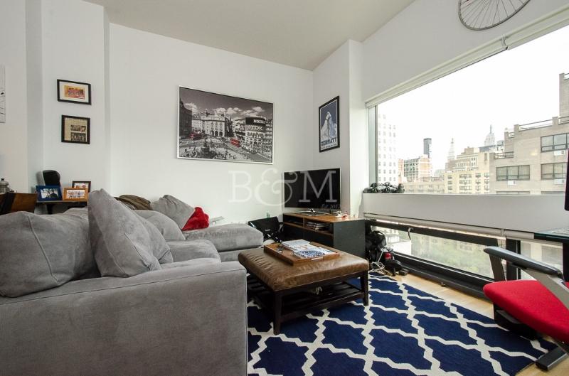 123 Third Ave, #11B - East Village | Manhattan    1 Bedroom // 1 Bath Days on Market — 111 Sold Price:    $1,351,000