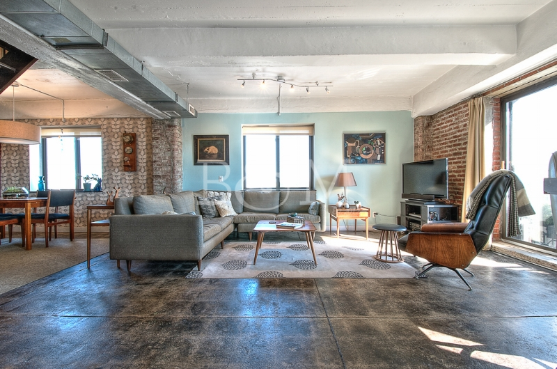 330 Wythe Ave, #11B - Williamsburg | Brooklyn    2 Bedroom // 2 Bath Days on Market — 98 Sold Date: October 2015 Sold Price:    $1,525,000