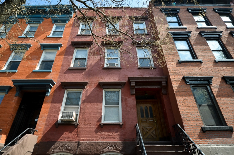 155 Bedford Ave, House - Williamsburg | Brooklyn    4 Bedroom // 4 Bath Days on Market — 15 Sold Date: January 2015 Sold Price:    $2,545,000