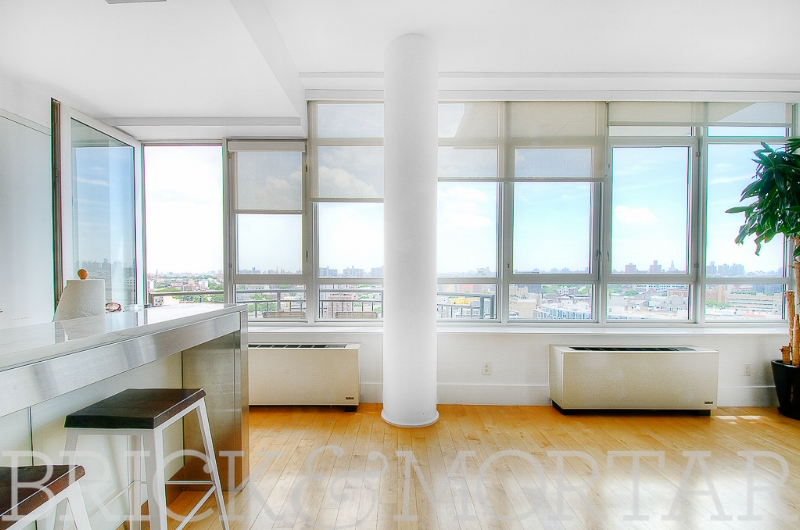 20 Bayard St, #14C - Williamsburg | Brooklyn    1 Bedroom // 1 Bath Days on Market — 65 Sold Date: September 2014 Sold Price:    $937,500