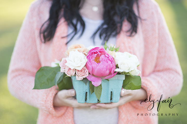 Mother's Day Picnic | Cuppies and Joe | Wednesday Custom Design | Juniper Design's Floral | Ely Fair Photography | Berry Crate Florals