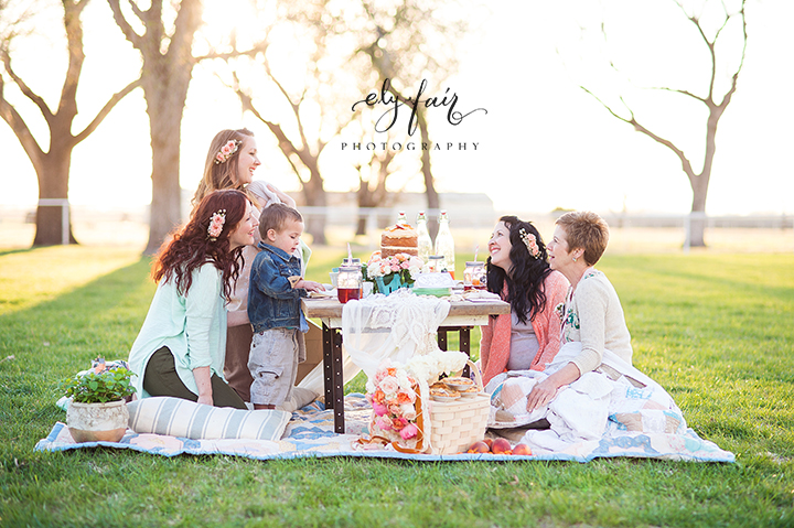 Mother's Day Picnic | Cuppies and Joe | Wednesday Custom Design | Juniper Design's Floral | Ely Fair Photography