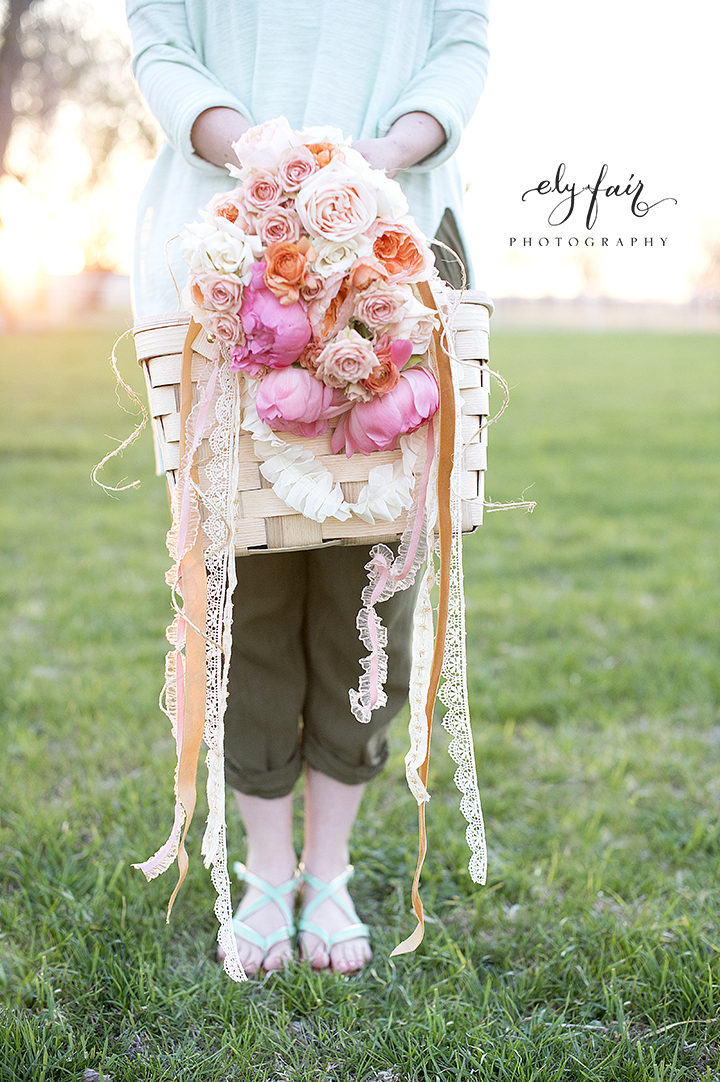 Mother's Day Picnic | Cuppies and Joe | Wednesday Custom Design | Juniper Design's Floral | Ely Fair Photography | Floral Picnic Basket