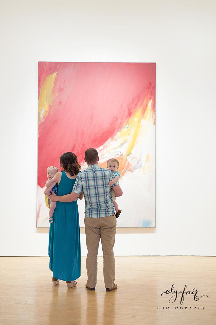 Art Museum Family Photos | Ely Fair Photography