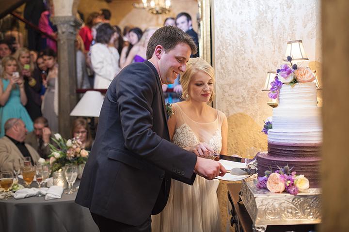 Dresser Mansion, Tulsa Oklahoma Wedding | Ely Fair Photography© | Cake by Ms Laura's Cakes