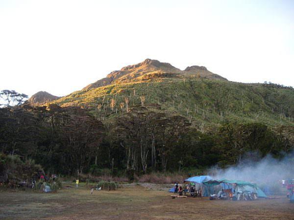 Mount_Apo-Photo-by-Kleomarlo-600x450.jpg