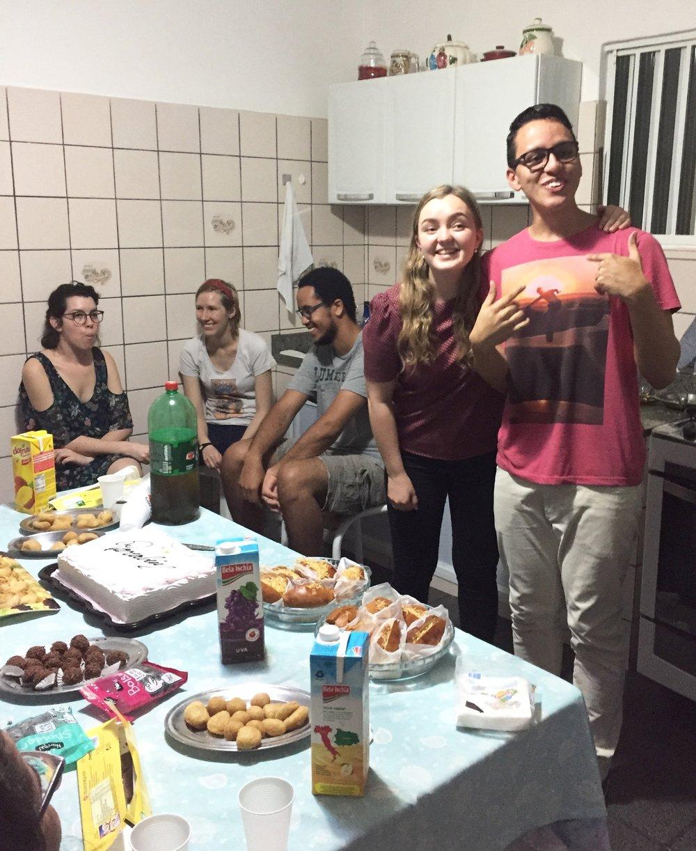 Bursdagsfeiringen til Sofie og vår kjære venn Joubert - vellykket surprise-party!