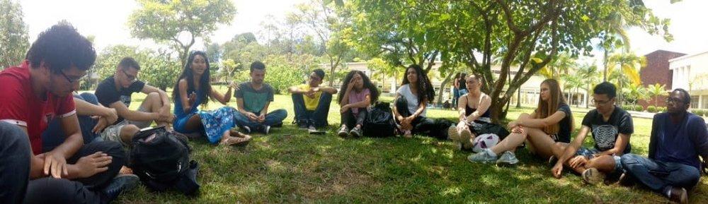 Her er gjengen på et vanlig ABU Bible Study (noe som dessverre er over for i år).