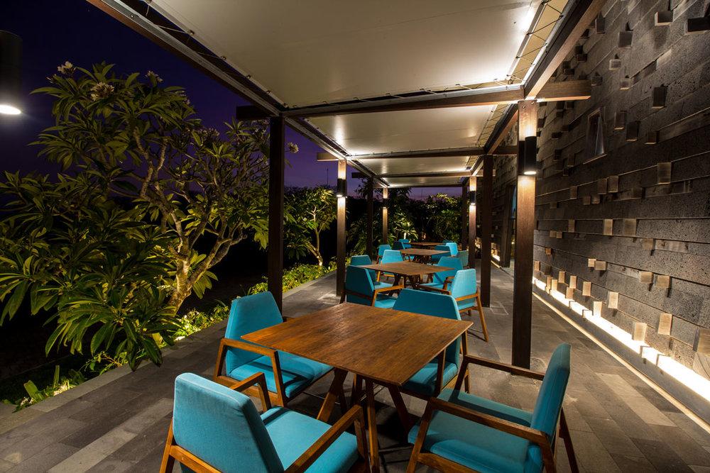 restaurant-1-1200x800.jpg