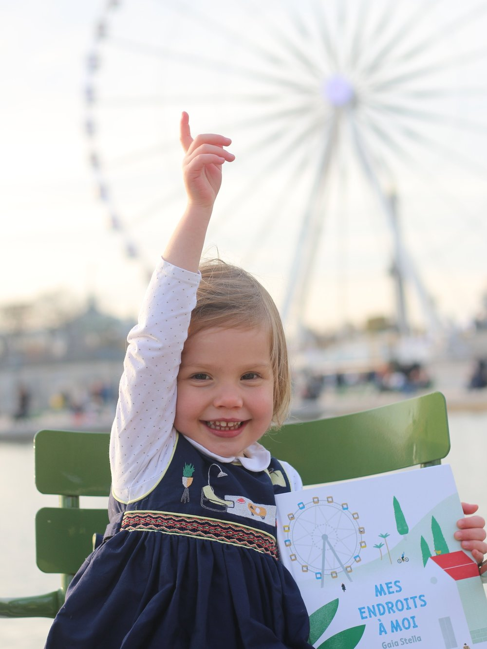 Picture of Brune wearing one of our dresses in front of la Grande Roue in Paris