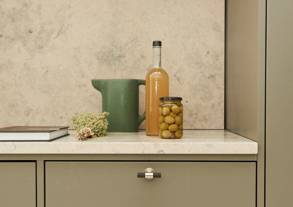 Handcrafted_interior_kitchen_clean_DSC5301a_web.jpg