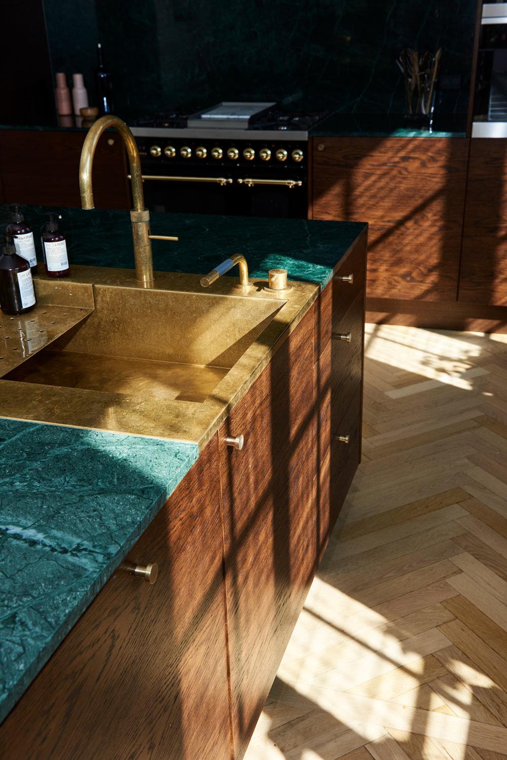 Handcrafted_interior_kitchen_clean_DSC5689a._webjpg