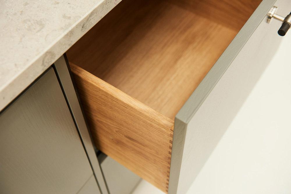 Handcrafted_interior_kitchen_clean_DSC5299-1a_web.jpg