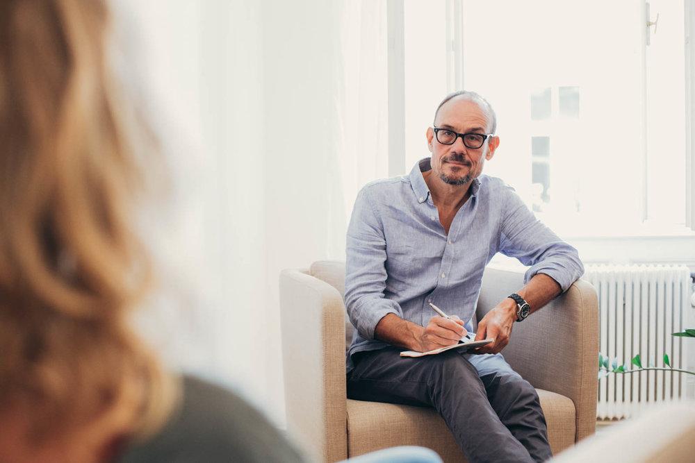 Psychotherapeut in Ausbildung unter Supervision