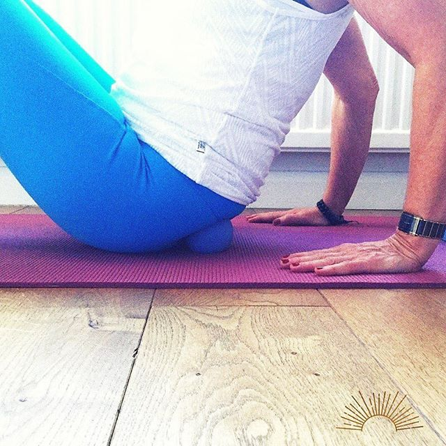 """If you spend a lot of your day sitting you may suffer from """"sleepy"""" butt syndrome! Your gluteal muscles are a powerhouse of strength in your body and are an important functional group supporting you through multiple ranges of motion with proper posture and form. Sitting too much overstretches and can actually de-activate the glutes. This can lead to muscle imbalance which can contribute to knee, hip or lower back pain. A little self care  using a massage ball on the upper glutes can waken up that derrière!  Here's how: Place a ball at the top centre of the buttock, then lean back to place a little weight on your hands, this will nuzzle that ball in there. You will feel it! Hold and breathe into the sensation and watch it start to dissolve in intensity. Your choice - to stay there for longer or move the hips and start that ball rolling around until you find another hotspot. A gentle wake up is key so ensure it's done at super slow pace for about two minutes each side. When finished sit back up. You may find sitting upright feels easier- no slouching at the core - the result of releasing that strain on the glutes.  I love the overall impact this kind of simple, quick and effective self- care has throughout the body. A must to incorporate into your routine. * * * #wellbeing #wellness #workplacewellness #wellnesscoach #posture #tensionrelief #selfcare #selfmassage #myofascialrelease #goodhealth #wellnessroutine #musclesoreness #fitandhealthy #lookafteryourself #workplacewellbeing #wellnessatwork #poorposture #painrelief #lowbackpain"""