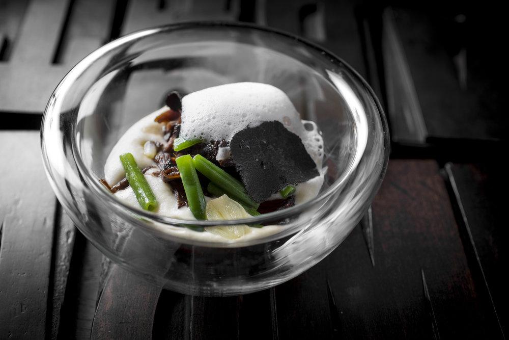 Jef Schuur | Ossenstaart, luchtige aardappel, zwarte truffel en knoflook