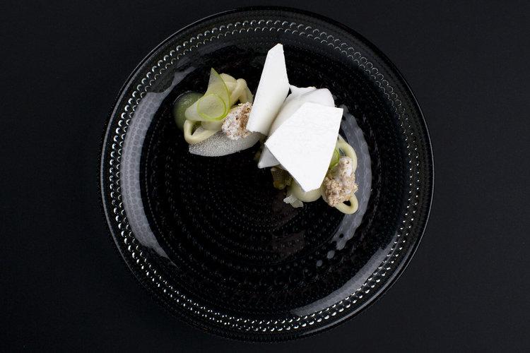 Egon van Hoof | Dessert van granny smith appel met zwarte sesam, kokos en witte chocolade