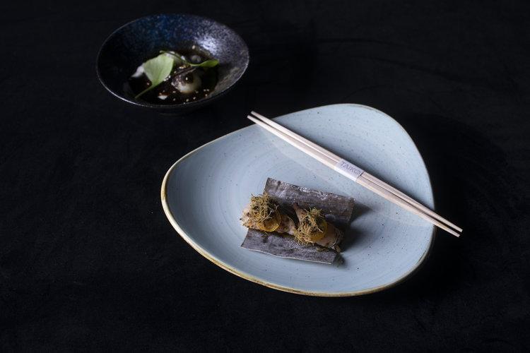 Schilo van Coevorden   Silken tofu with black truffle (silken tofu, koolrabi bal, soya bouillon op basis van dashi. witte negi, sesam, truffel, zeesla olie)