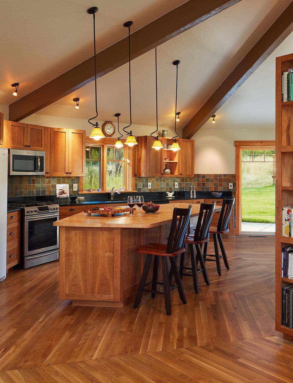Kitchen_1_00161x_crop.jpg