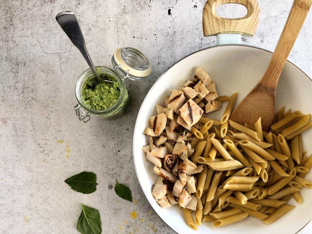 Lemon basil pesto meal prep, pasta meal prep 1