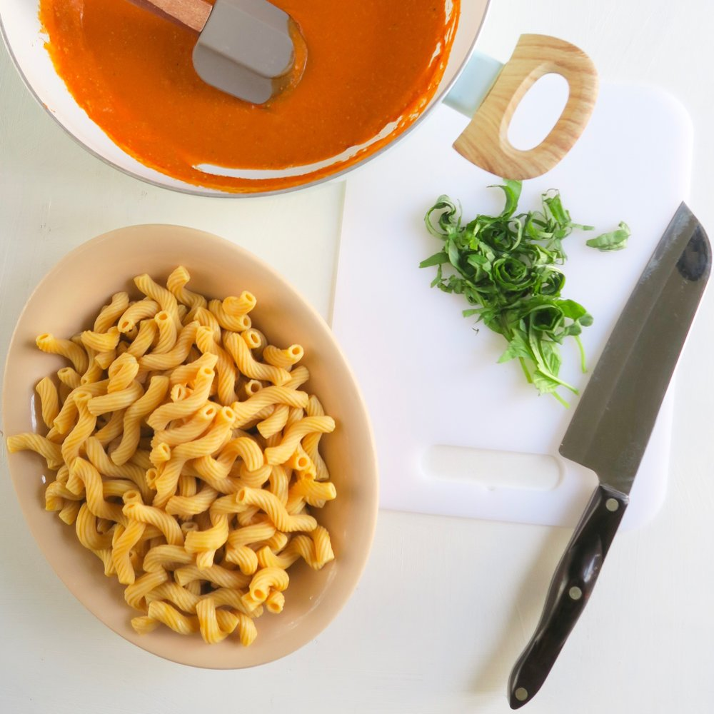 Vegan red pepper sauce, chickpea pasta, meal prep 1