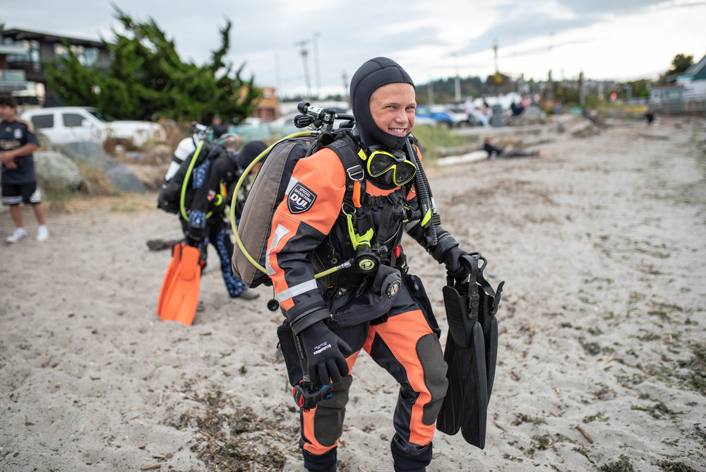 Join our team. We teach kids, teens, families and adults how to scuba dive in the Puget Sound area of the Salish Sea. All classes are conducted in dry suits. We teach from beginner to professional levels including photo and video workshops. Contact us to begin your journey today.