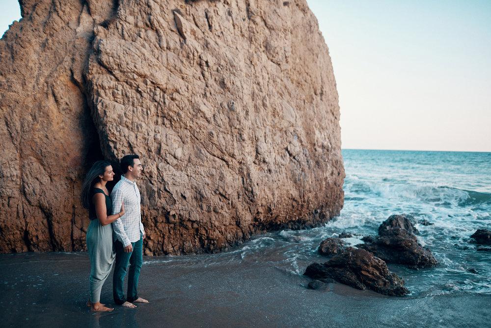 Engagement_Photographer_Twin_Cities_St_Paul_Miinneapolis_Lifestyle_Outdoor_Somethin_Candi_Photography_003.JPG