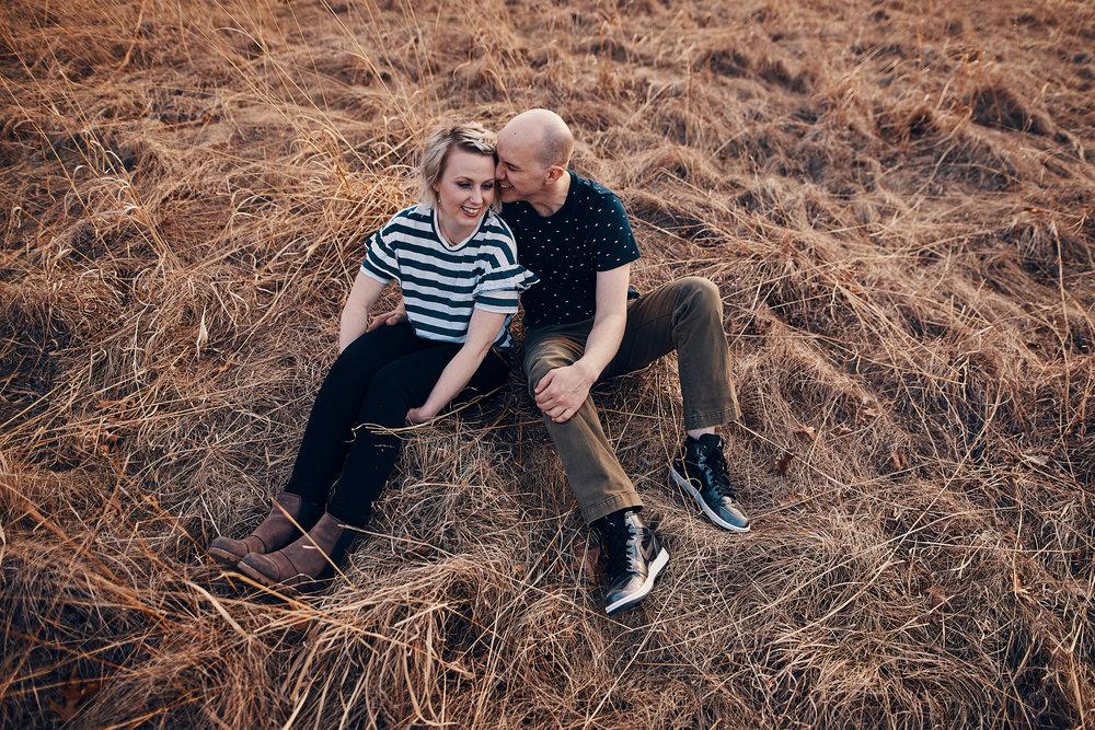 Engagement_Photographer_Twin_Cities_St_Paul_Miinneapolis_Lifestyle_Outdoor_Somethin_Candi_Photography_008.JPG