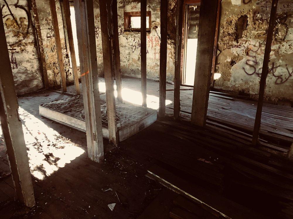 Abandoned House.jpg