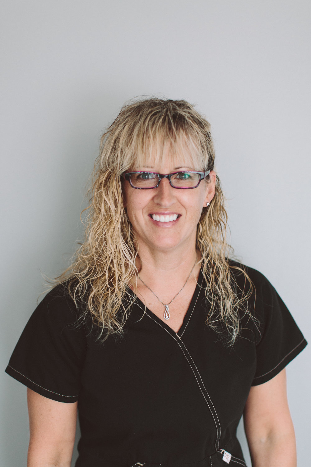 Denyse - Denyse is a Certified Dental Assistant with over 20 years experience within the Barzan Family Dental practice.Patient comfort is her top priority. Seeing nervous patients relax and feel comfortable during their dental appointment is what her job is all about.Away from the office, Denyse enjoys singing, baking and most of all spending time with her daughter, Hannah.