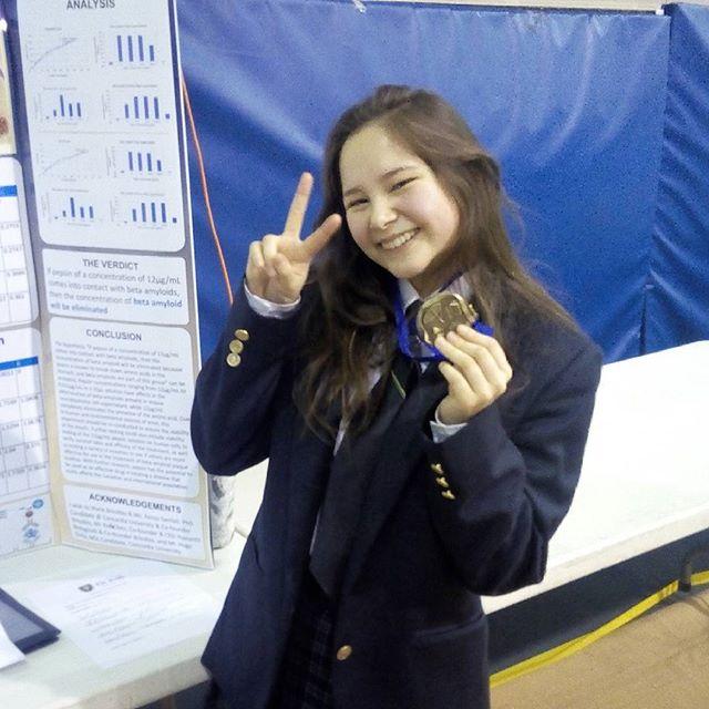 Gold nd proud  #stemgirlsrock  #stem #diybio #hackergirls #biology