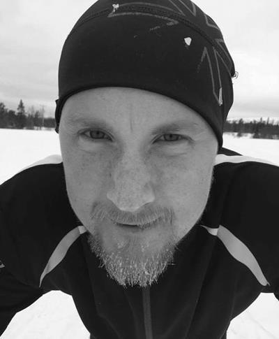 Emil Westerberg - Social media   Emil är en Örebroare och vår Social media guru. Han gillar att prova en massa nya saker och utvärdera resutatet. En stor malt älskare och också son till Mikael. Var med när Mikael och Patrik träffades på Islay och har således varit med från gunden.