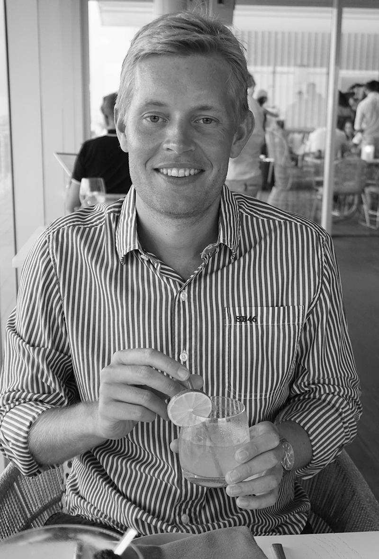 Adam Vesterberg - Ekonomi och systemutveckling  Adam  är som kanske en av Selected Malts största fan också en ovärderlig resurs som kan mycket om det mesta. Jobbar också som systemtekniker inom Microsoft världen och den erfarenhet han skaffat där tar han med sig in i Selected Malts värld.