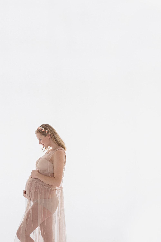 Tokyo maternity photographer | Yokosuka maternity photographer