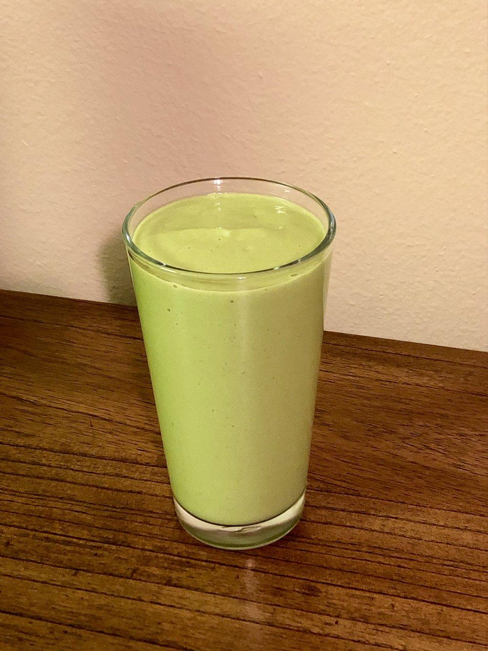 Green pear banana smoothie.jpeg
