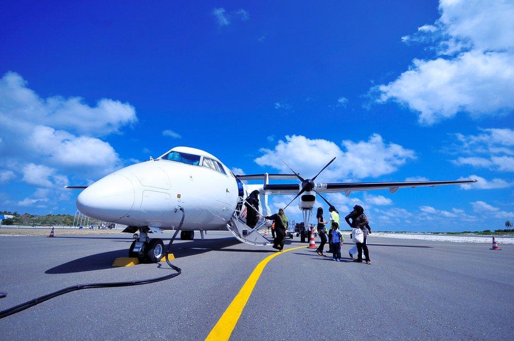 aeroplane-air-aircraft-240524.jpg