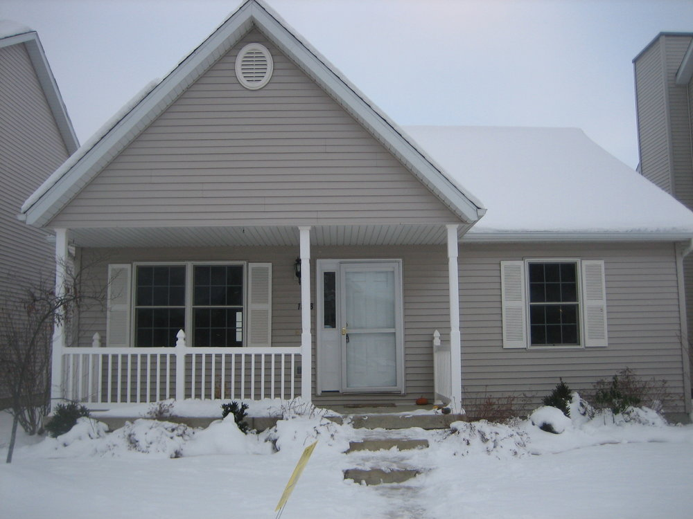 - 3 Bedroom, 1 Bath HouseUrbanaNewer home, full basement, 2 car garage