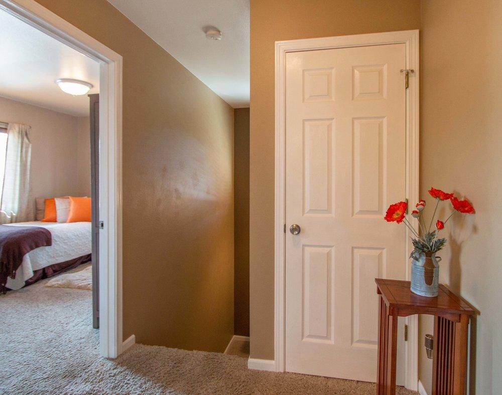 Interior 12.jpg