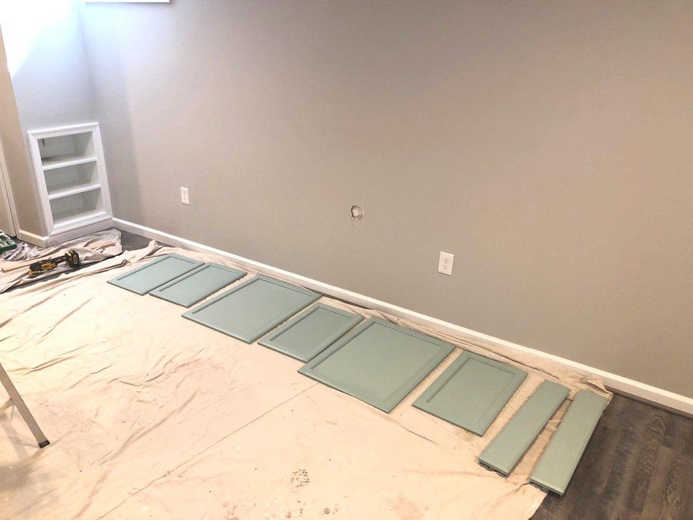 painting+cabinet+doors.jpg