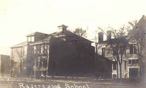 Ravenswood Elementary School in 1905