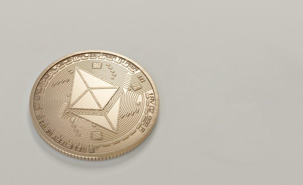 blockchain-coin-commerce-1036637.jpg