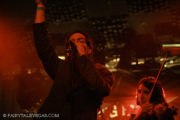 Brian Carpenter and Paran Amirinazari, Knitting Factory NYC 2009, photo by Fairytale Vegas