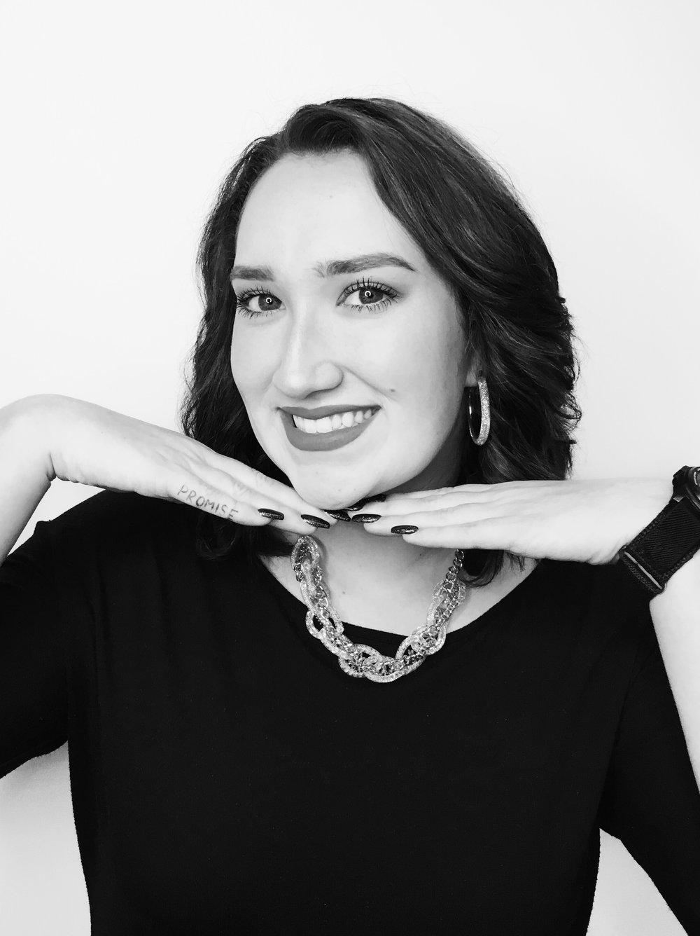 EMILY HUNTSTUDIO STYLIST - Specializes in: updos, braiding, styling