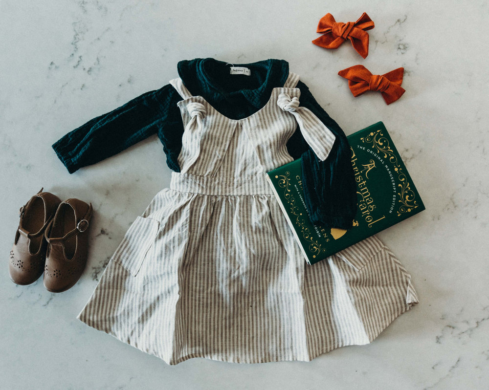 Saoirse's Christmas Day cuteness: The Humble Soles Maya t-strap, Fin & Vince forest gauze collar blouse, Fin & Vince flax stripe knot dress, bows by Kate Elise. (note: you can use code CATHLINS10 for 10% off at The Humble Soles)