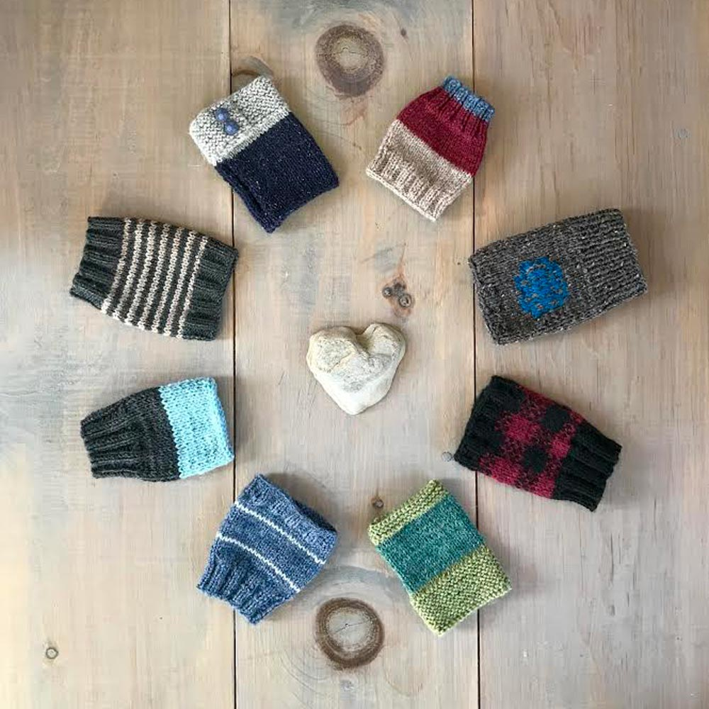 Mitts - Fingerless mitt designs made from a variety of yarn + weights