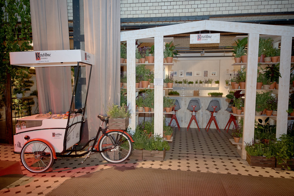 ketel bar pentatonic bar chairs