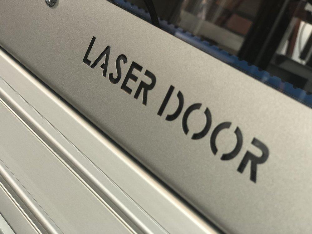 i-mas-ingenieria-laser-door