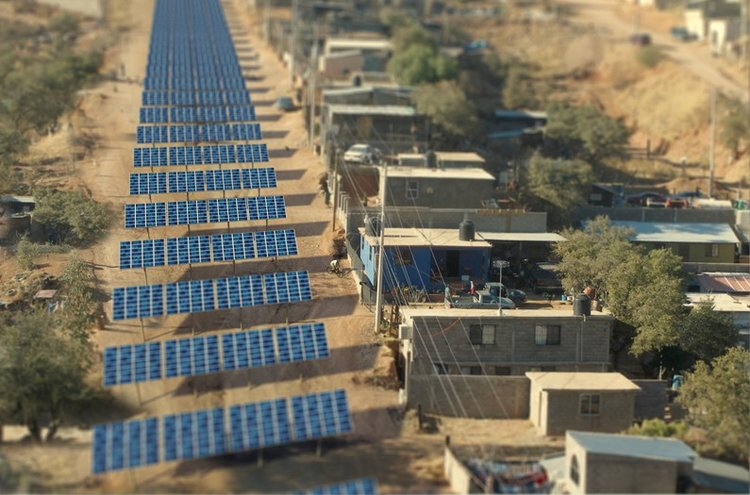 Image from  Anthropocene 's article    'Instead of Trump's Wall, Let's Build a Border of Solar Panels   '