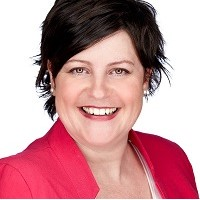 Céline Renaud - Directrice et fondatrice JMC Lutherie